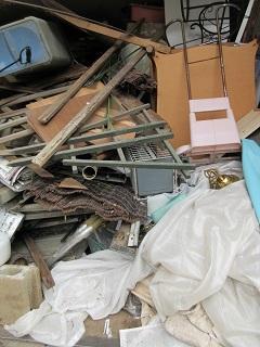 家屋取り壊し前のお片付け、不用品処理。