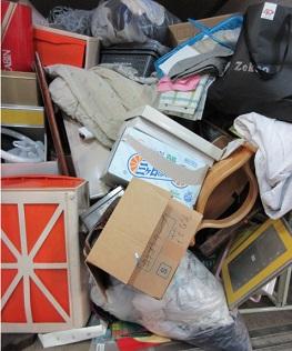 マンション一室のお片付け、大量のご不要品回収です。