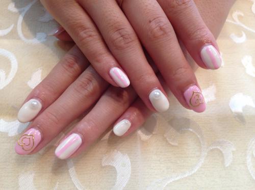 クリーム&ピンクのパステルデザイン