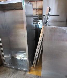 冷凍庫、製氷機、厨房機器の廃棄、処分。