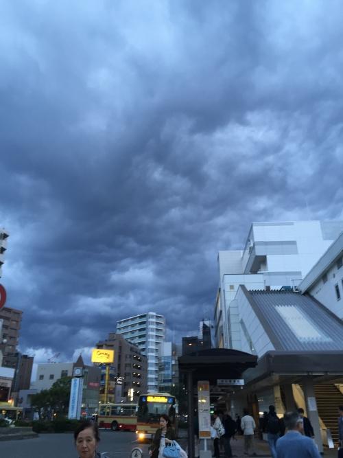 茅ヶ崎駅前の空