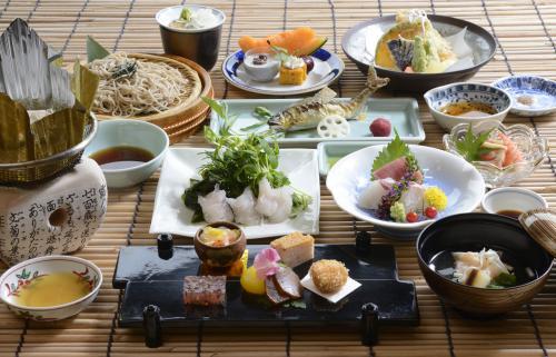 鮎に鱧、季節のコース「初夏薫る膳」のご案内