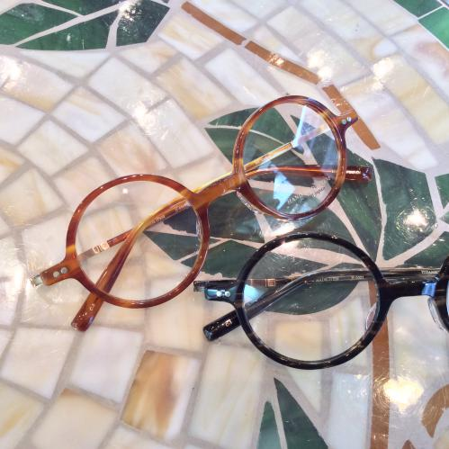 丸眼鏡にチャレンジしてみては?