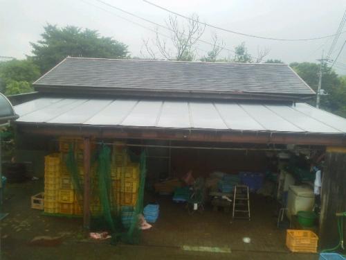 麻生区片平で屋根工事。