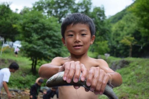 夏合宿(魚のつかみ取り)