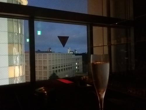 新宿三丁目 夜景を見ながらシャンパン