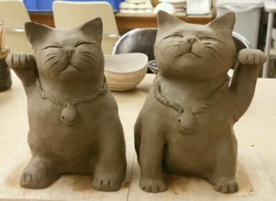 かわいい招き猫が2匹になりました。陶芸教室 国立けんぼう窯