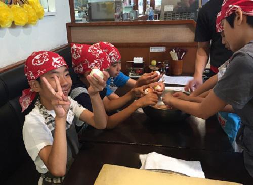 夏休み「子供ラーメン教室」をたまプラーザ店で開催しました!