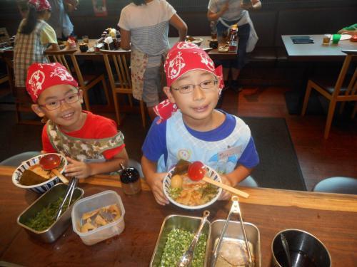 夏休み「子供ラーメン教室」を上大岡店で開催しました!