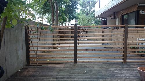 マンション専用庭 ウッドフェンスの修繕