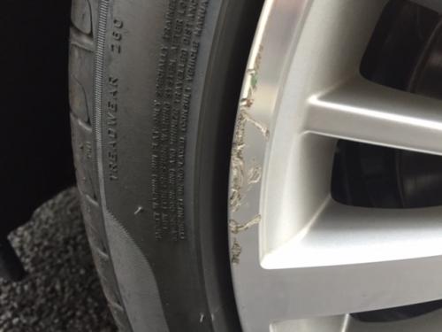 BMW 純正ホイール  リムのガリ傷