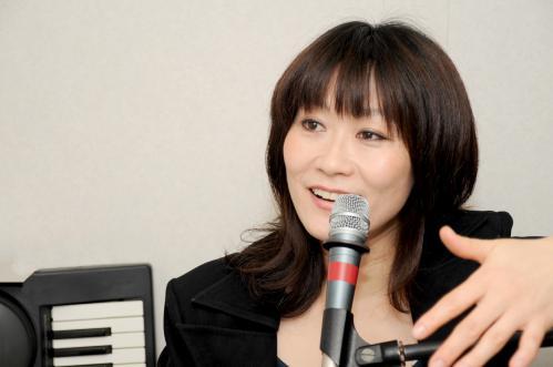 言語聴覚士浅川礼子の発声障害専門ボイストレーニング