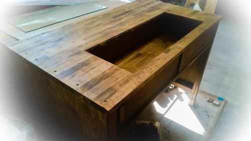 木でテーブル作りました☆