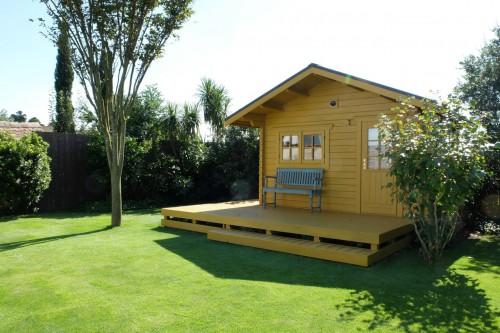 ガーデンの撮影スタジオ:現在の芝生のようす