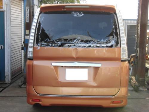 平塚市C25セレナ/リサイクルパーツで修理完了。