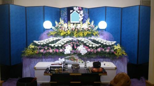 越谷市 家族葬25万円コース アレンジ花祭壇1