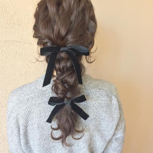 結婚式 お呼ばれヘアセット ダウンスタイル ベロアリボン