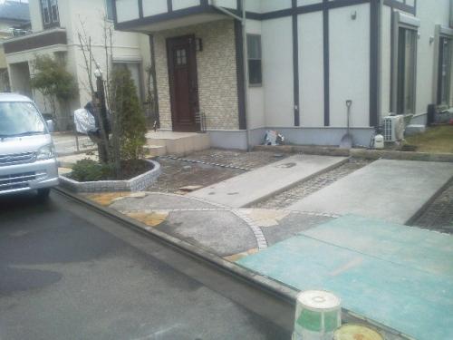 綾瀬市で外構工事。
