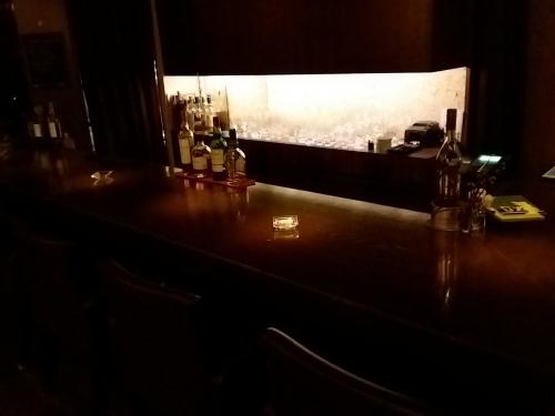 新宿三丁目で落ち着いて飲むなら