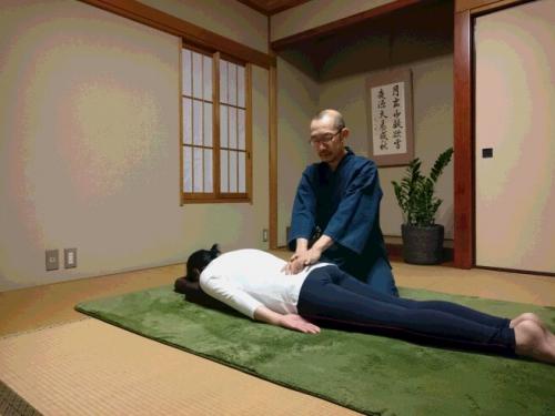 ぎっくり腰の痛みを治す 腰痛を根本から解消 龍ヶ崎市
