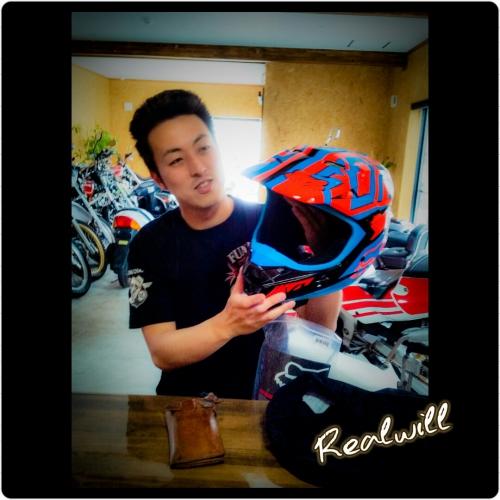 FOXのヘルメット