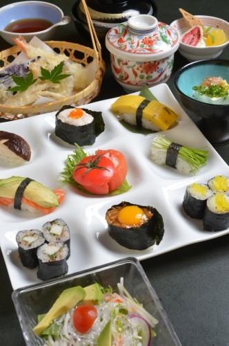 7/1より 期間限定 7/30まで 創作野菜寿司コース