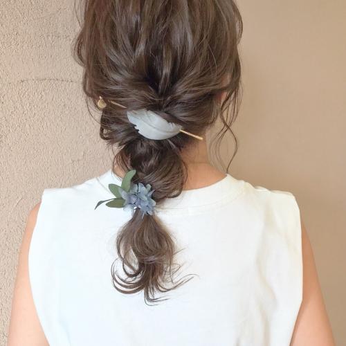 ヘアアレンジ 編み下ろし プリザーブドフラワー 髪型