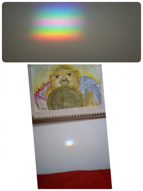 又、虹が部屋の中へ!