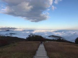 霧降高原天空回廊からの雲海