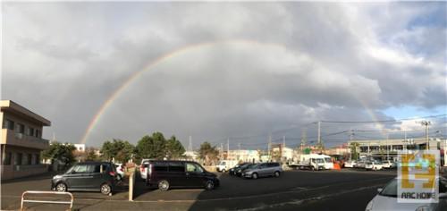 札幌市東苗穂にキレイな虹が架かっていました(^^♪