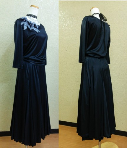 黒のサテン・ドレス