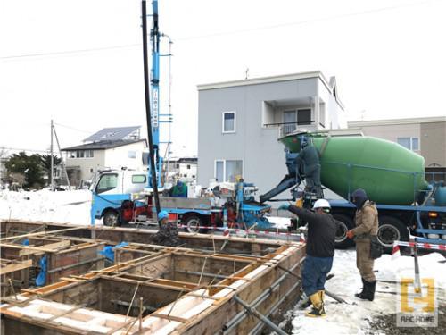北海道の新築住宅!布基礎コンクリート打設に関わる職人さんたち
