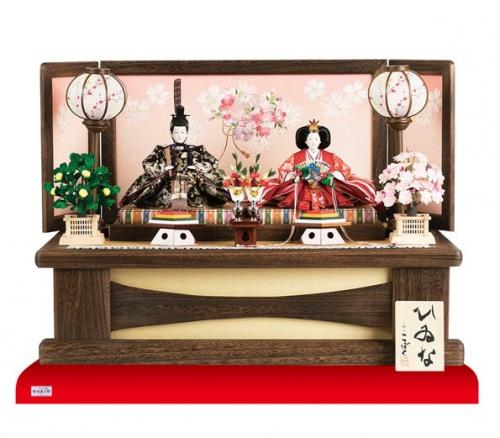 焼桐飾り台で飾り易いお雛様