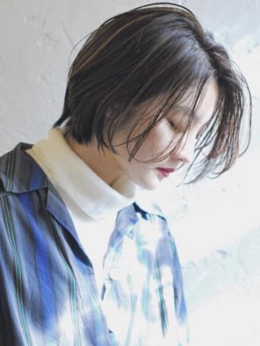 大人ハイライトのショートボブ 【 ニシムラ カナ 】