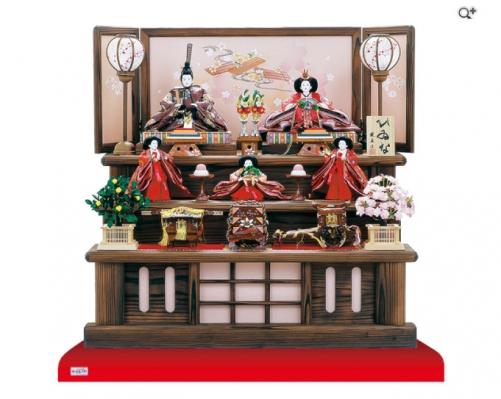 焼杉飾り台を使用した 雛人形三段飾り