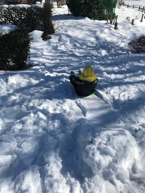 雪遊び そり 託児