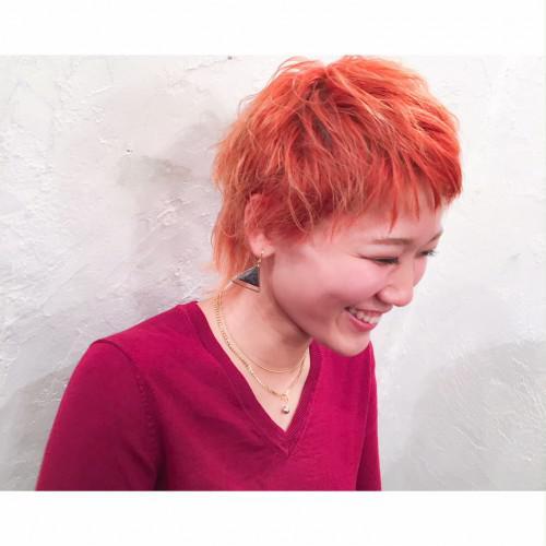 オレンジカラーとウルフスタイルは相性バッチリ♪代官山美容室
