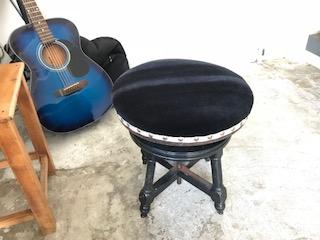 東京都 板橋区 ピアノ椅子 張り替え