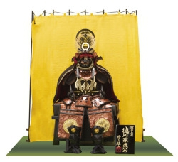 徳川家康公のコンパクトな鎧飾り