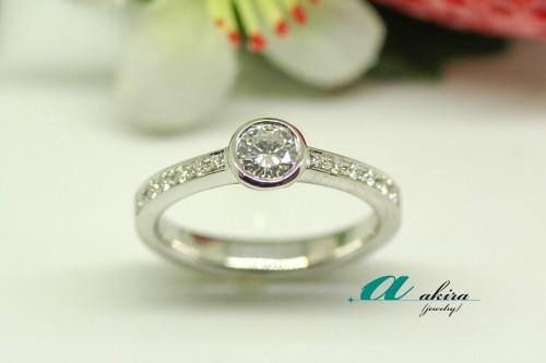 花見川区からお越しのお客様の婚約指輪のリメイクを致しました