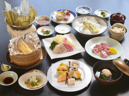 期間限定季節のコース「春風薫る膳」ご予約承り中!