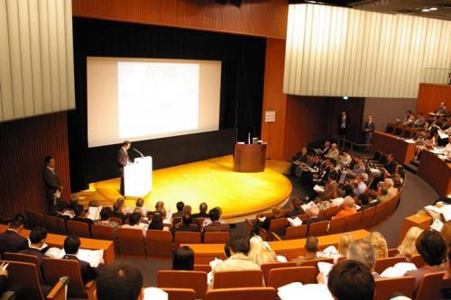 お医者さんの国際会議と英語発音とリスニング