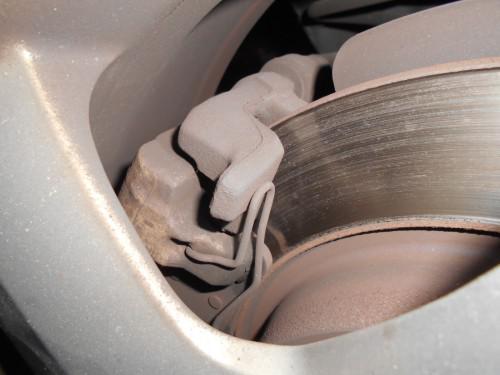 ボルボV50 リヤパットローター削る手前で新品取替