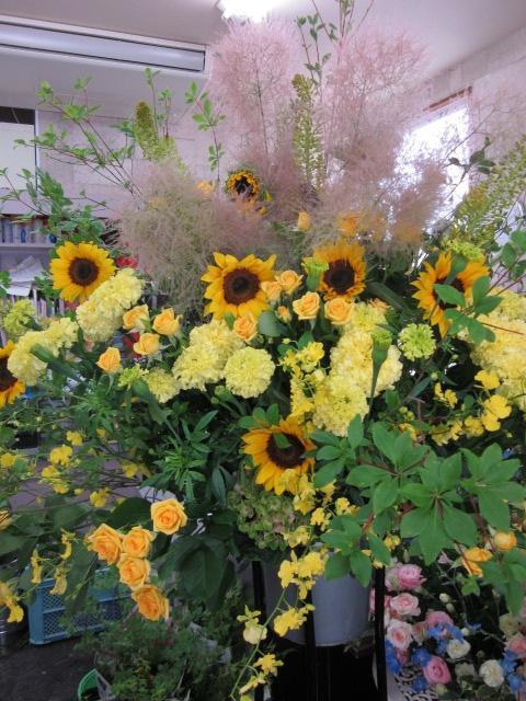 花束を夏の花材で配達しました。