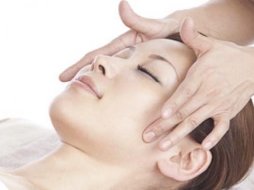 千歳烏山で美容鍼フェイシャルマッサージはオリンピア鍼灸整骨院