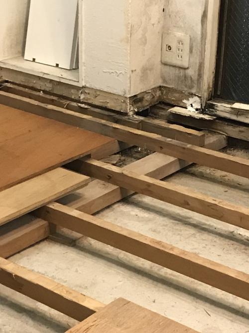 雨漏り補修後の自宅の床について
