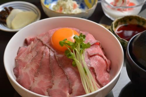 第2弾! ランチ限定ローストビーフ丼 1300円(税別)