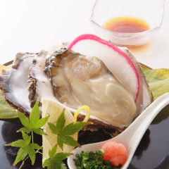 """富山産天然岩かき入荷""""ふっくらとクリーミーで美味しいです。"""