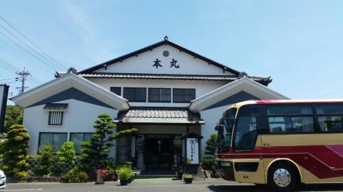 大型観光バスも利用可能です。