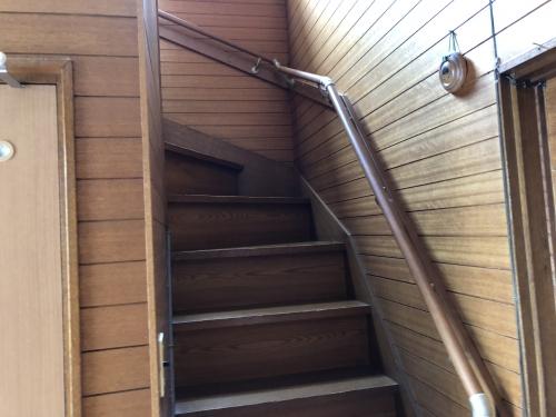 階段手すりの取り付け工事をしてきました。